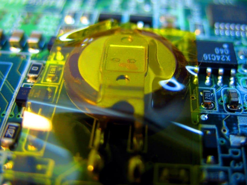 Как выглядит батарейка CMOS в ноутбуке Acer